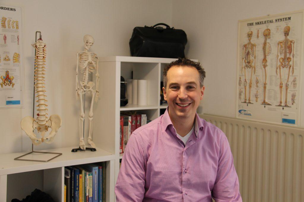 Mischa Bakker, Chiropractor